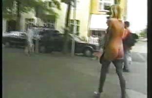 पूल में एक युवा कंपनी की हिंदी वीडियो फुल मूवी सेक्सी एंजी अहुनेया