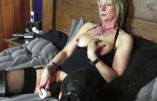 तो फूहड़ और उसके सेक्सी हिंदी सेक्सी मूवी स्तन बाहर खींच लिया
