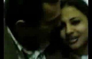 पुरुषों के हिंदी में सेक्सी फिल्म मूवी सामने एक कुत्ते कंबल लड़की फेंक