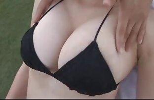 आकर्षण अपनी गेंदों हिंदी मूवी एचडी सेक्सी वीडियो के साथ खेलते हैं